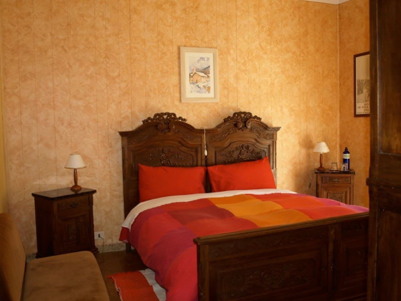 L'Aquila Room normally set up for two people. A single bed. can be requested to be added.  Fabrizio restored his grandfather's cherry bedroom set for this room.