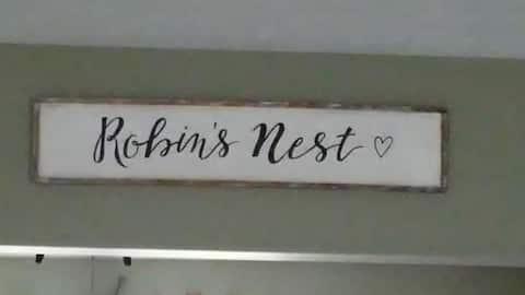 Robin's Nest: near the airport &  Churchill Downs