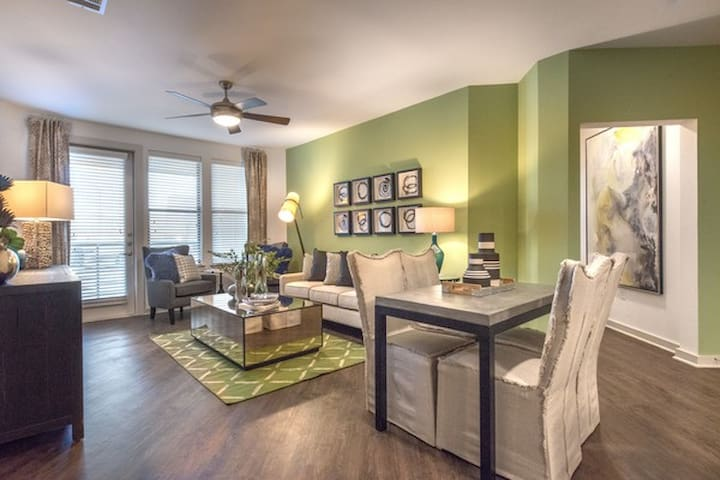 Your home away from home | 1BR in Fort Worth