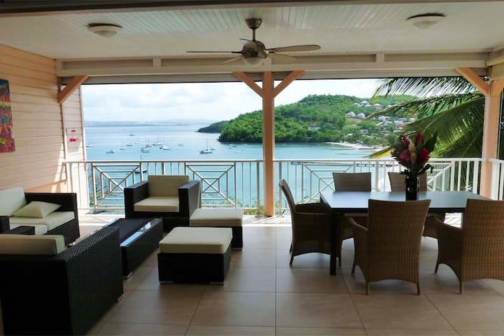 Villa with sea view - Les Trois-Îlets - Hus