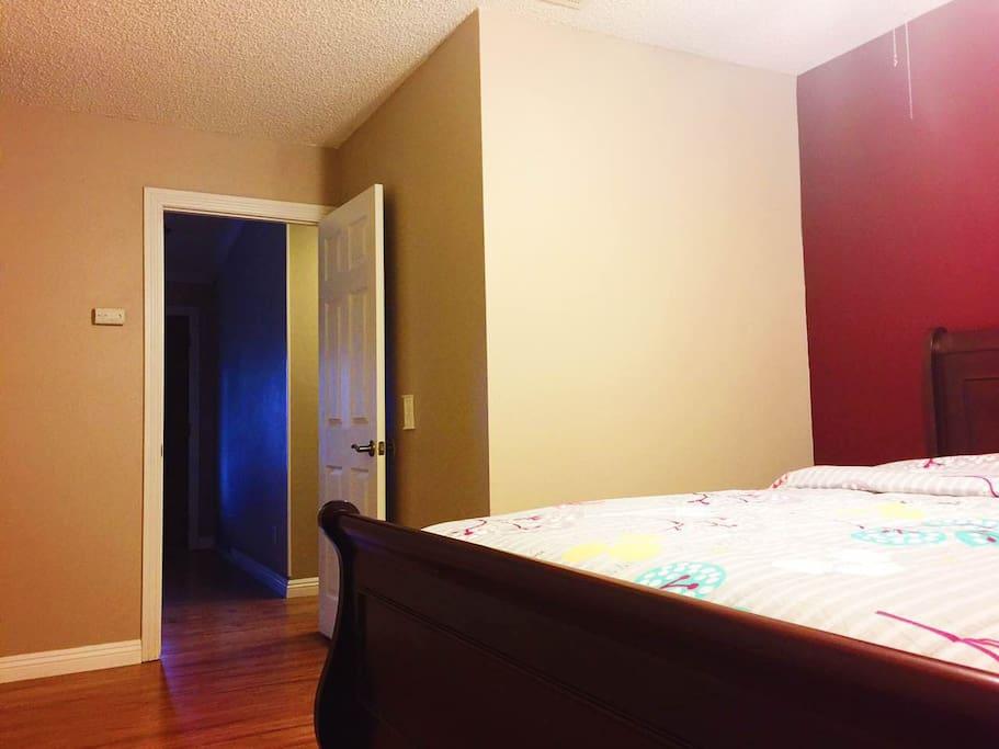 双人床房,每晚$60