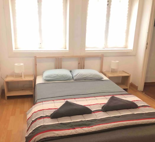 Cozy Double Room in the Heart of Porto