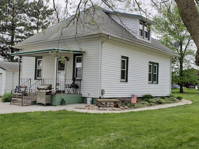 Ruthie's Retreat Home-  Fordyce, NE