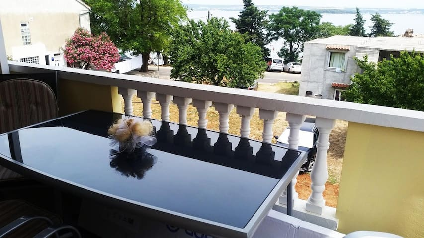 One bedroom apartment with terrace and sea view Tkon, Pašman (A-8414-a)