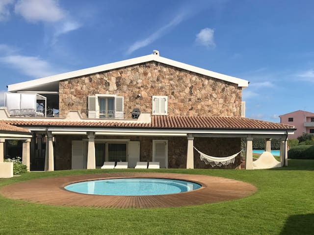 GREAT NEW APARTMENT with POOL n°11