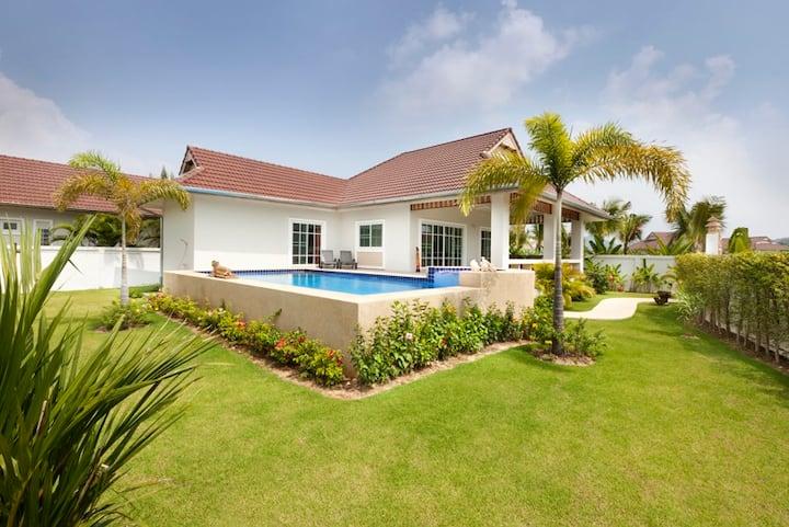 beautiful 3 br pool villa