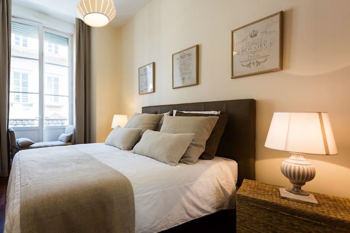 Chambre confortable. Lit 160x200