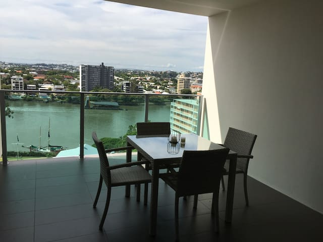 Private room and Bathroom - Kangaroo Point - Appartamento