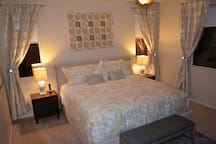 Master Suite w/ King Bed