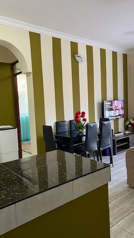 Entire cosy one Bedroom Apartment—15 mins to beach