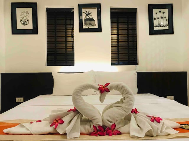 Superior Suites @2 minutes walk from the beach