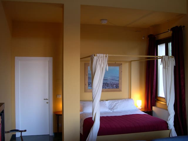 Exclusive room with amazing view - Bologna - Hus