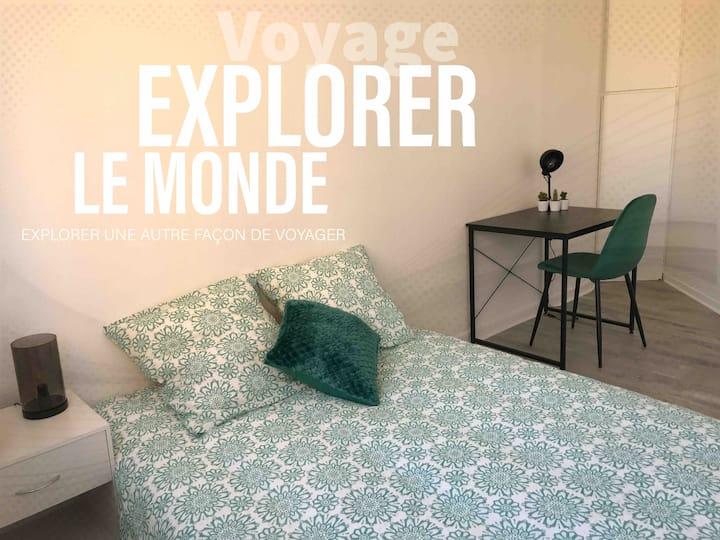 Chambre ZEN  BUREAU + WIFI À 35' de PARIS