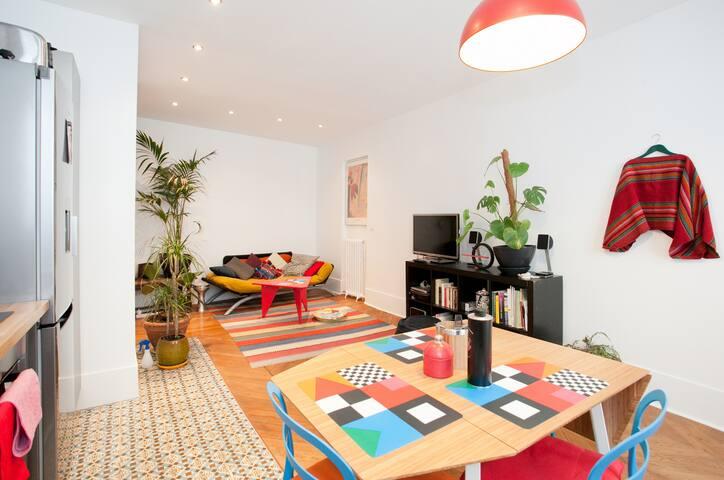 nice apartment paris montparnasse appartements louer paris le de france france. Black Bedroom Furniture Sets. Home Design Ideas