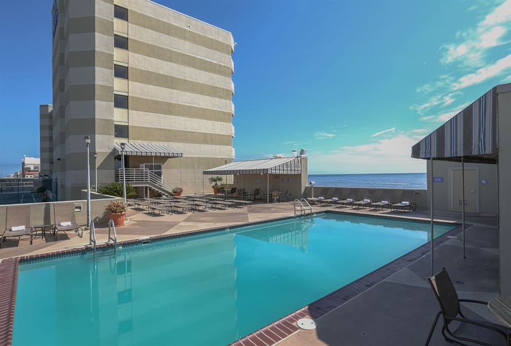 Beach Quarters Resort Oceanfront 1 Bedroom Timeshares For Rent In Virginia Beach Virginia