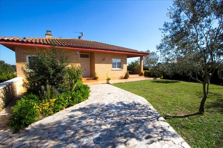 Catalunya Casas: Villa in Sils for 11 guests & just a short drive to Costa Brava
