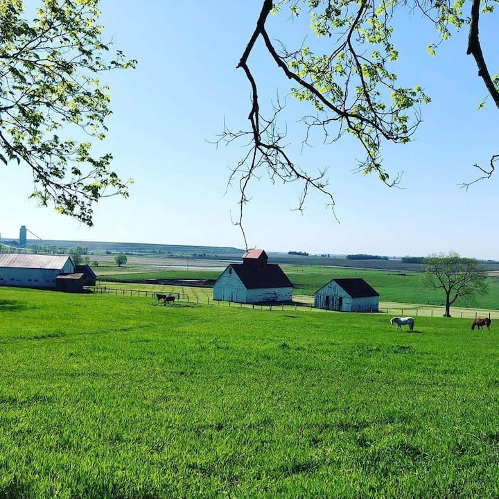 Elkhart Hill Farm Cottage