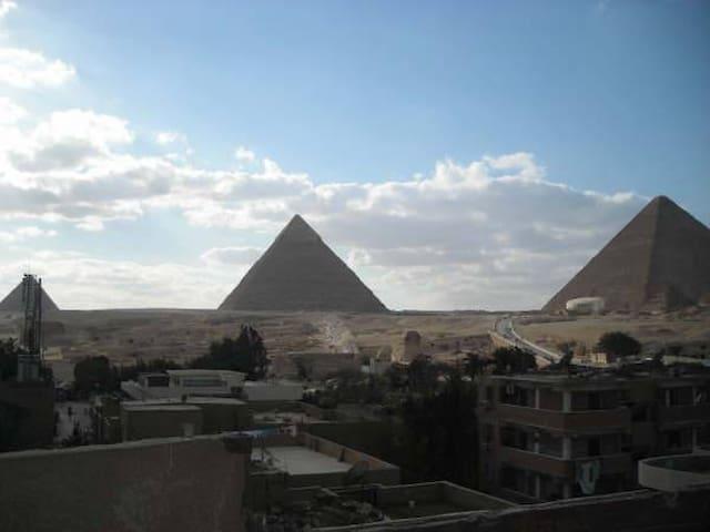 Egypt , Cairo: Nice Pyramid view
