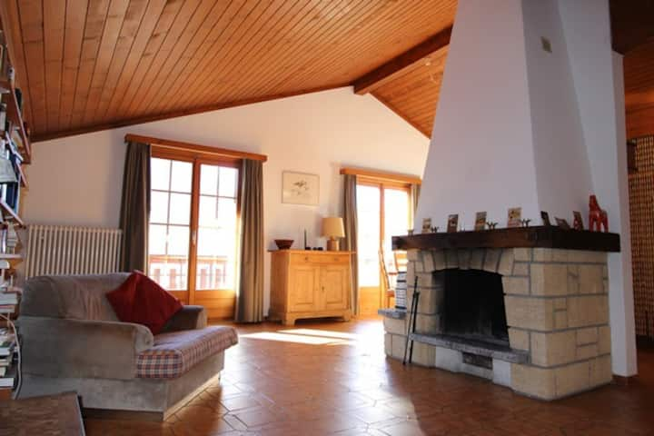 Appartement Les Grands Prés 31, (Château-d'Oex), 3 bedrooms, 120m², 6 people