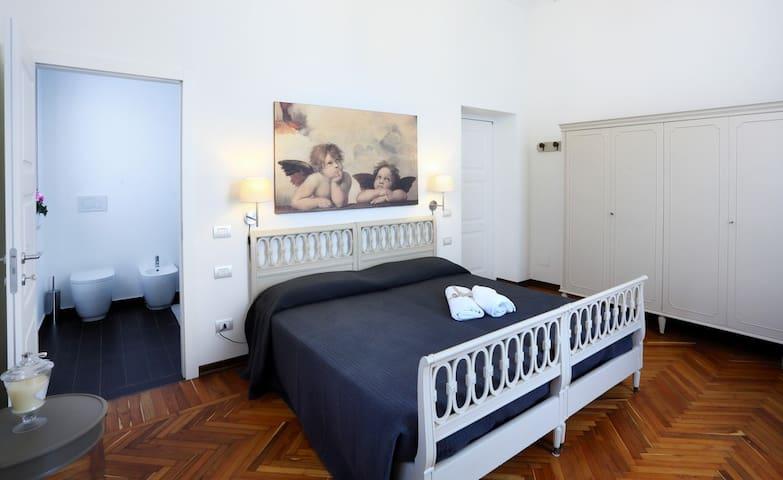 N15 B&B (3 BR Apartment)