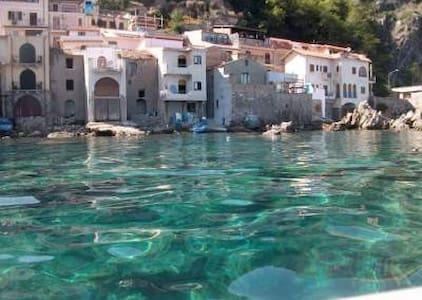 Taverna a Scilla a 50 m. dal mare - Favazzina