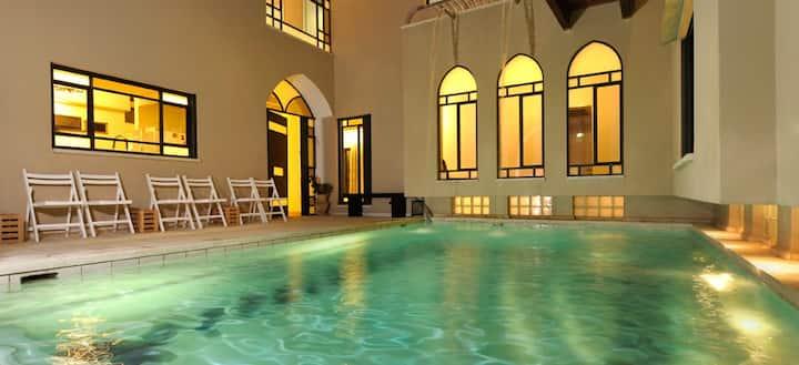 Villa Rouge - near Ceaseria Luxurious villa