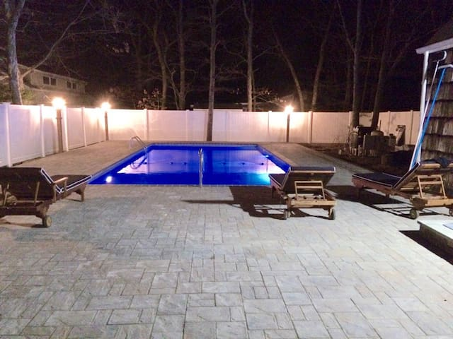 Hamptons Getaway/ Backyard OASIS/Monthly available