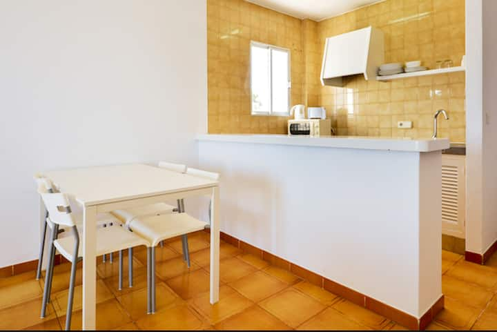 Apartment with one bedroom in Sant Josep de sa Talaia, with wonderful sea view, shared pool, furnished balcony