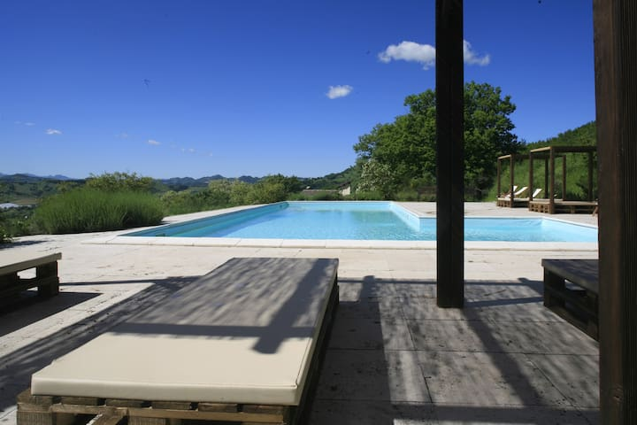 RENOVATED BARN WITH POOL  - Cagli - Haus