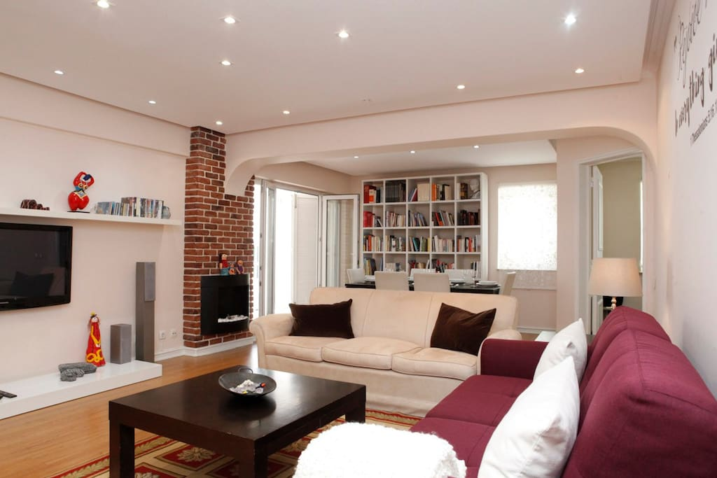 Large living room with access to the terrace