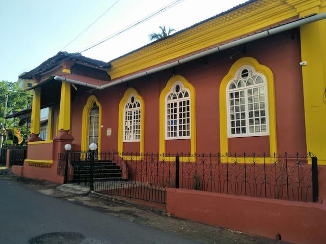 """""""Casa de Dona Telma"""" Portuguese Heritage Home Stay"""