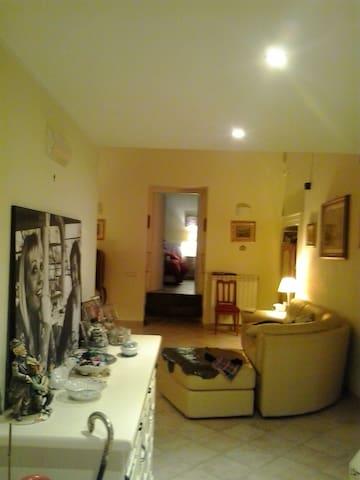 CAMERE D'ARTISTA - Salerno - Bed & Breakfast