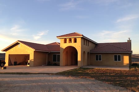 Relaxing home in the heart of wine country - Paso Robles