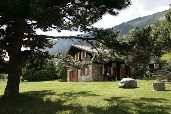 Unique, Spacious, Private Chalet ±± - Conthey