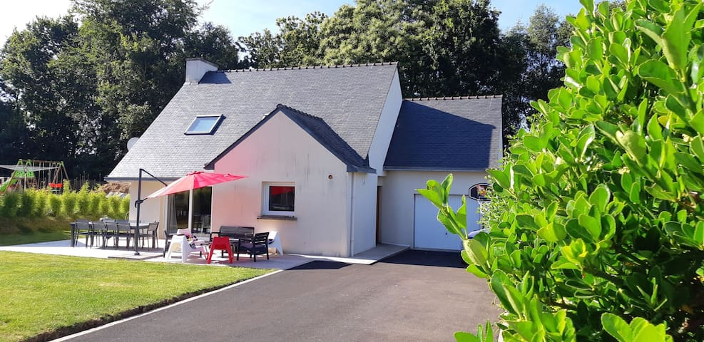 Jolie maison, proche plage avec terrasse et jardin