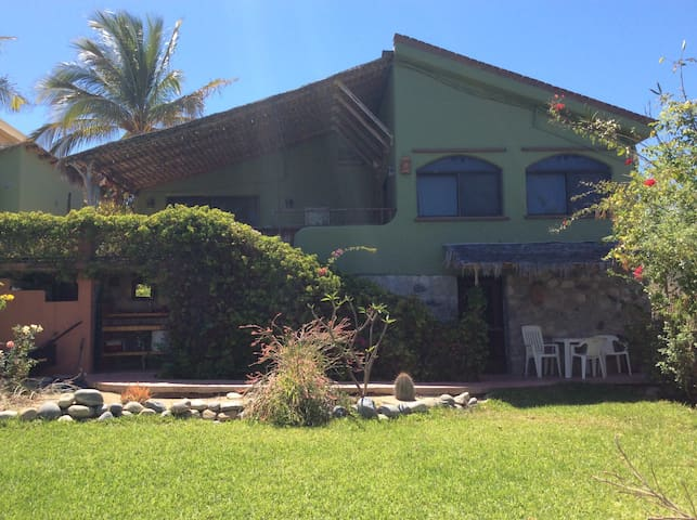 Cool & Quiet Sea View Home In Town - Los Barriles - Hus