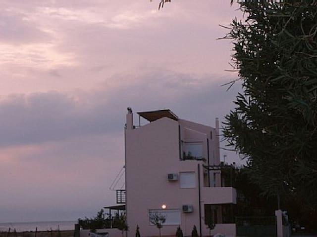 Waterfront Poseidonos Beach Home - Corinthia - Rumah