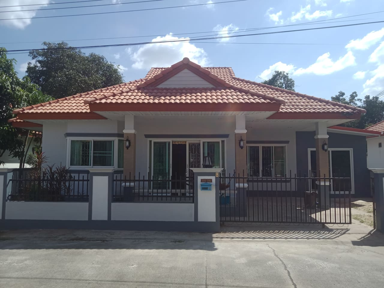 Newly painted and kitchen extension added! Garden newly renovated, see photos