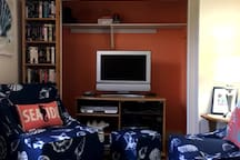 Living room has cable TV, DVD/VCR player and a full video library for your entertainment.