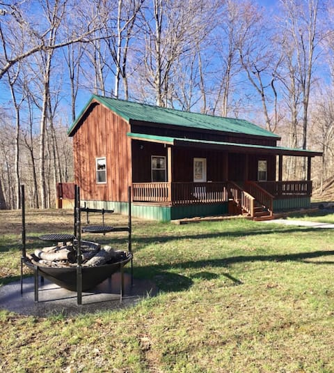 Cabin on 100 Secluded Acres-Hocking Hills, OH
