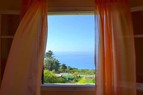 ПАРАМОНА - Красивый дом с потрясающим видом на море