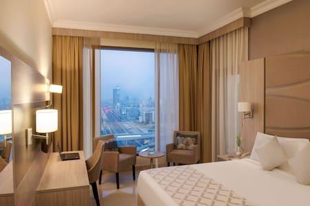 Grand Suite City View