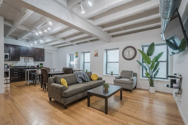 Spacious 3BR Just 1 Block to Division Blue Line!