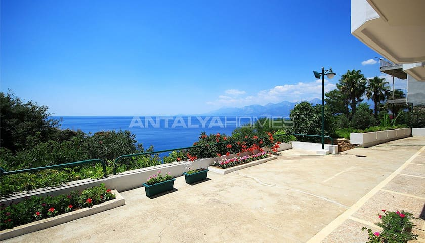 Sea front apartment in Antalya, Deniz Mahallasi