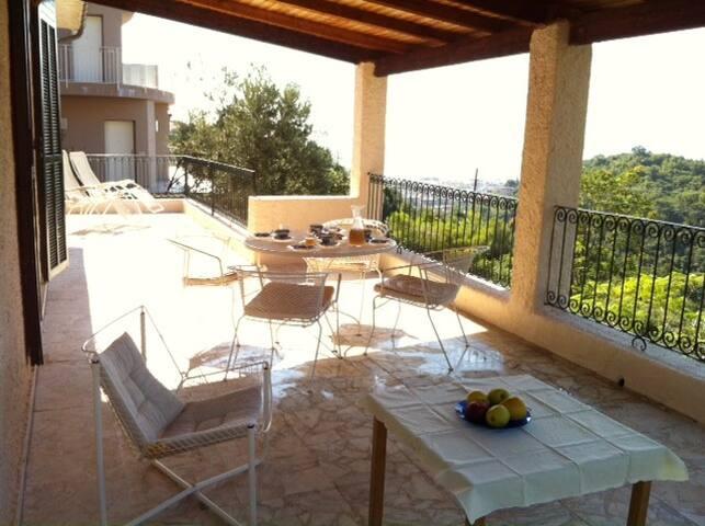 Little villa at the Italian Riviera - アラッシオ - 別荘