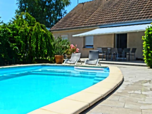 Maison avec piscine en Bourgogne du sud