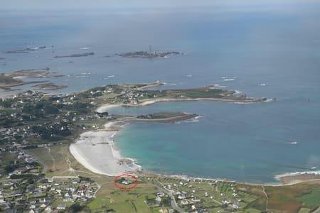 Maison vue mer à 10m de la plage - Plouguerneau - Dům