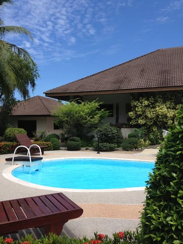 Peaceful pool homestay