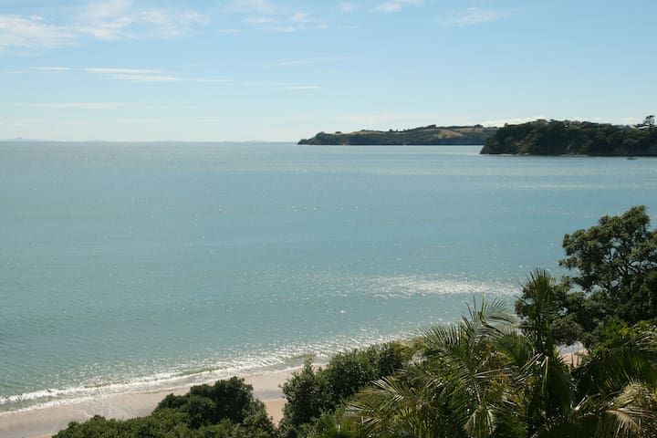Absolute beachfront Stanmore Bay
