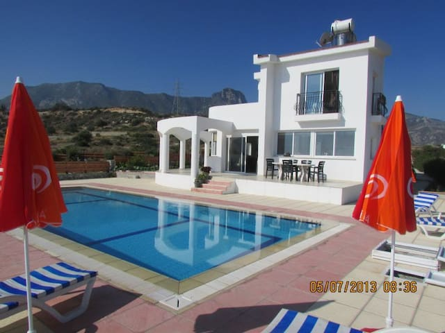 Private Villa with a Pool & Seaview - Arapköy
